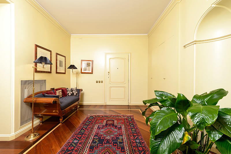 Spanish Steps Three Bedroom Apartment With Terrace For