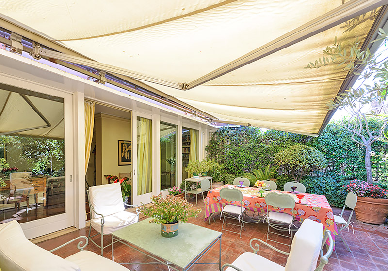 Image gallery terrace awnings for Use terrace in a sentence