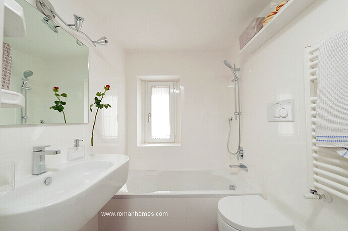 En-suite bathroom of the master bedroom