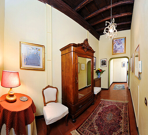 Apartment For Rent In Foyer Infinity : Rome spanish steps via della croce large three bedroom