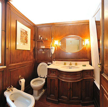 Bathroom In Spanish index of /vacation_rentals/images/spanish-steps-apartments-terrace